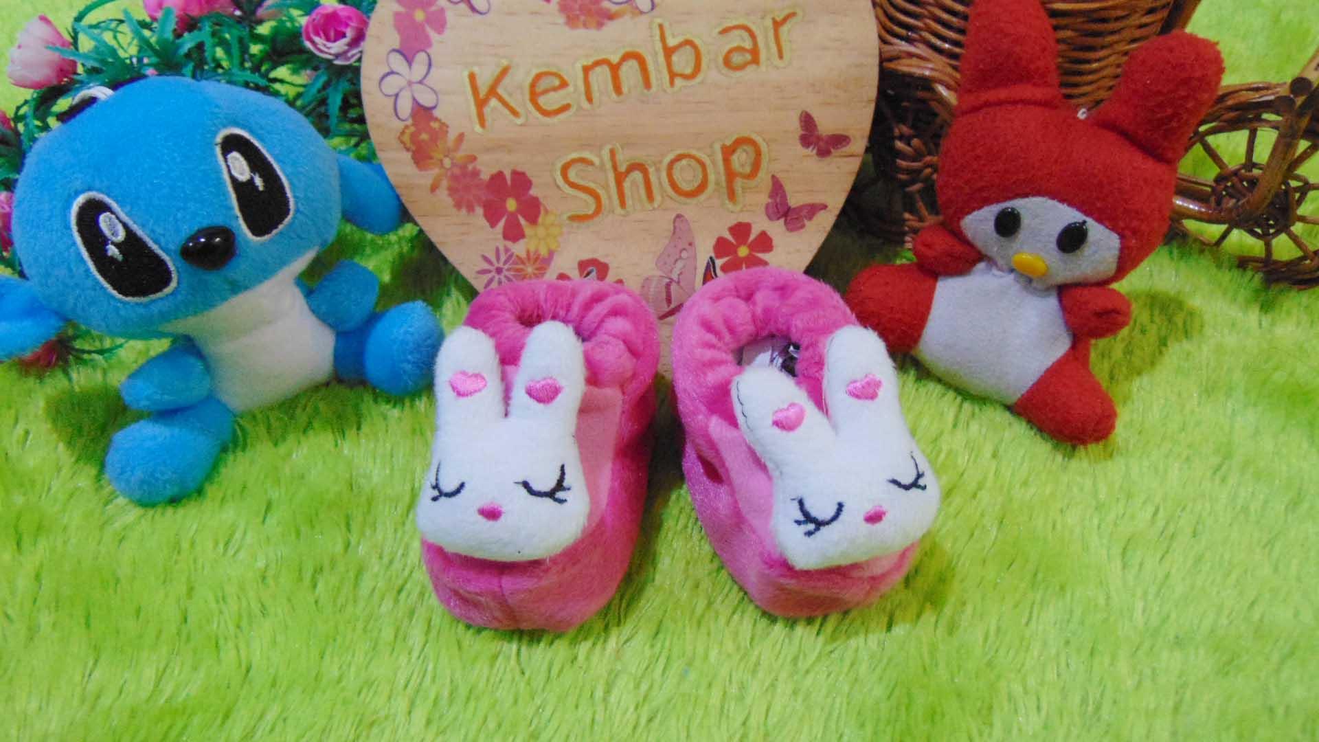 foto-utama-kado-bayi-baby-gift-set-sepatu-prewalker-alas-kaki-newborn-0-6bulan-lembut-motif-kelinci-syantik
