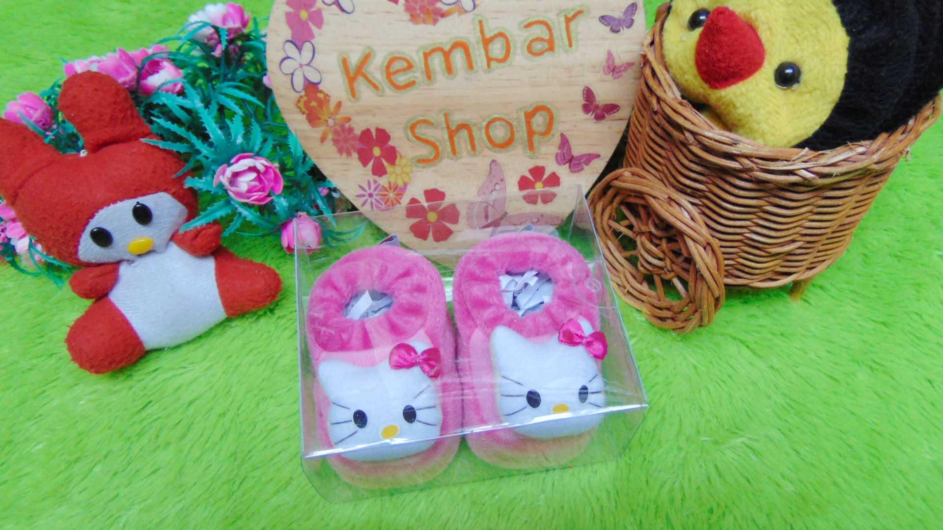 kado-bayi-baby-gift-set-sepatu-prewalker-alas-kaki-newborn-0-6bulan-lembut-motif-hello-kitty-pink-2