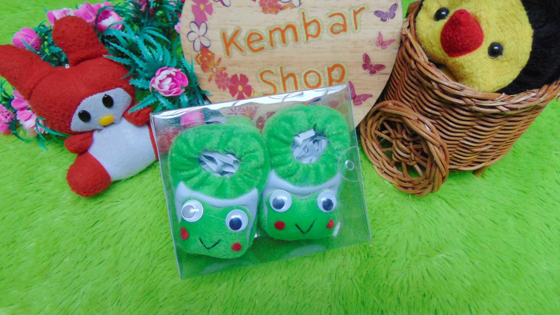 kado-bayi-baby-gift-set-sepatu-prewalker-alas-kaki-newborn-0-6bulan-lembut-motif-keroppi-2