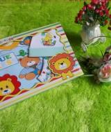 paket kado bayi lion biru topi hijau 63 terdiri dari kaos lengan panjang,celana,topi bayi bahan lembut