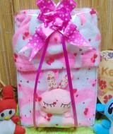 foto utama - FREE KARTU UCAPAN paket kado lahiran bayi baby gift set box jaket plus boneka motif doreng pink (1)
