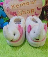foto utama kado bayi baby gift set sepatu prewalker alas kaki newborn 0-6bulan lembut motif gajah cantik